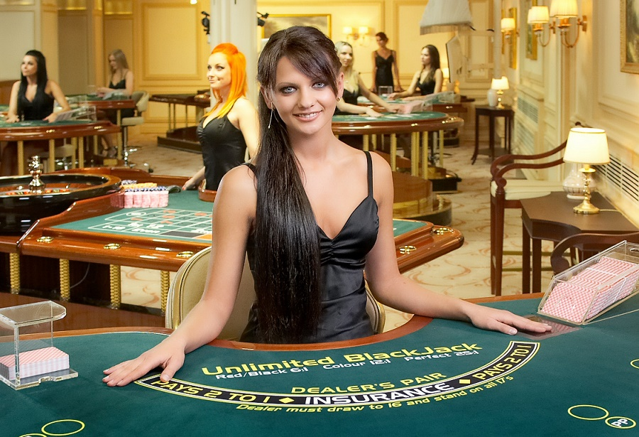 Angry Ex-Casino Dealer Reveals: With These 5 Ways Casinos Trick You Into Losing