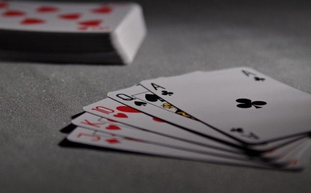 Make Profits By Playing Online Gambling